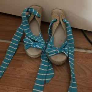Old navy wedge heels size 7